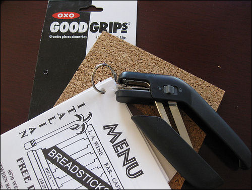 oxo-good-grips-single-hole-punch