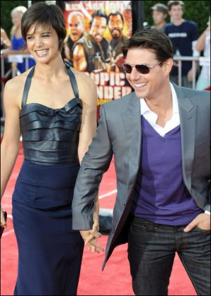 katie-holmes-and-tom-cruise-tropic-thunder-premiere