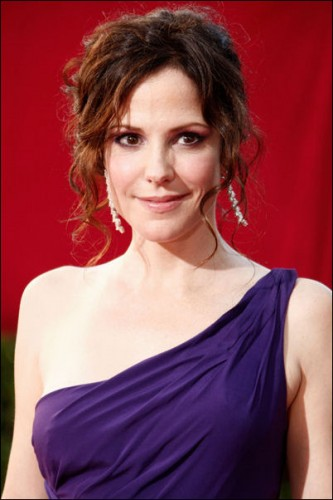 mary-louise-parker-2009-emmy-makeup
