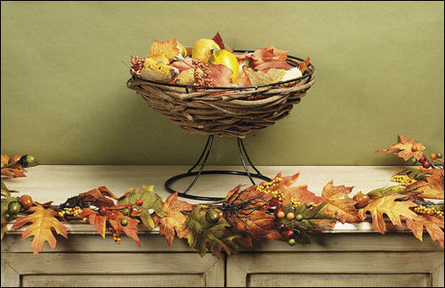thanksgiving-decorations-fall-autumn-leaves