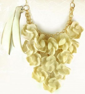 holiday-style-lenora-dame-necklace