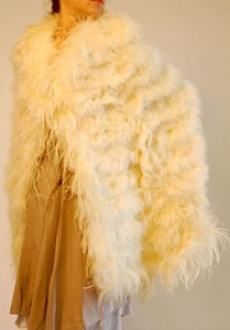 holiday-style-relic-ny-ostrich-feather-cape