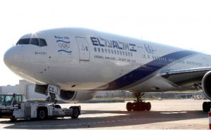 holiday-travel-el-al-airplane