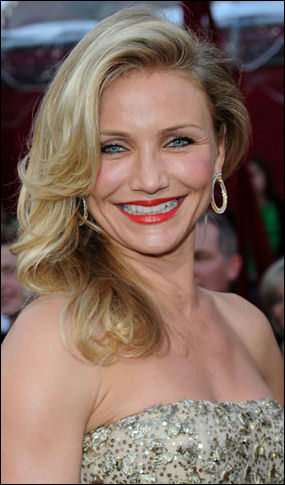 2010-oscar-red-carpet-cameron-diaz-hair-style