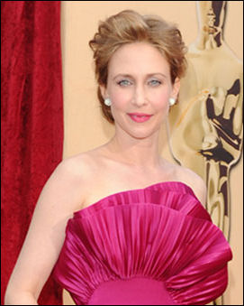 2010-oscar-red-carpet-vera-farmiga-hair-style