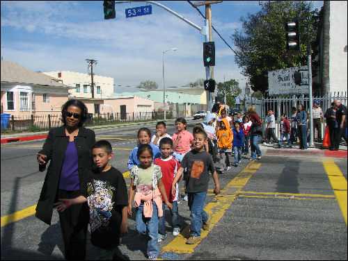 jan-perry-councilwoman-crossing-with-kids