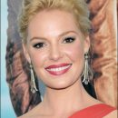 "Katherine Heigl dons a Grace Kelly updo at ""One for the Money"" premiere"