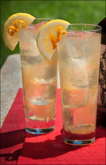 rum cocktail drink recipes Captain Morgan black and ginger tea