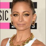 nicole richie makeup hairstyles american music awards 2013