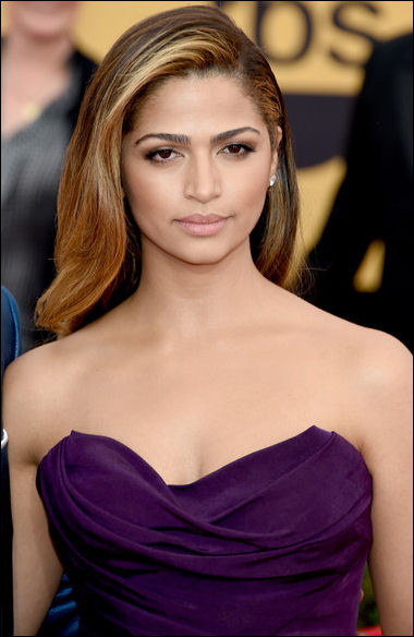 2015 sag awards hair makeup camila alves