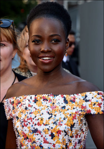 lupita-nyongo-makeup-tony-awards-2016