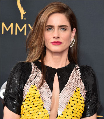 2016-Emmy-Awards-amanda-peet-makeup
