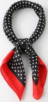 polka-dots-2019-SPRING-FASHION-TRENDS-scarf