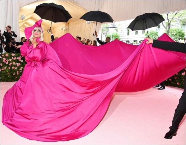 2019-MET-Gala-red-carpet-fashion-lady-gaga-1